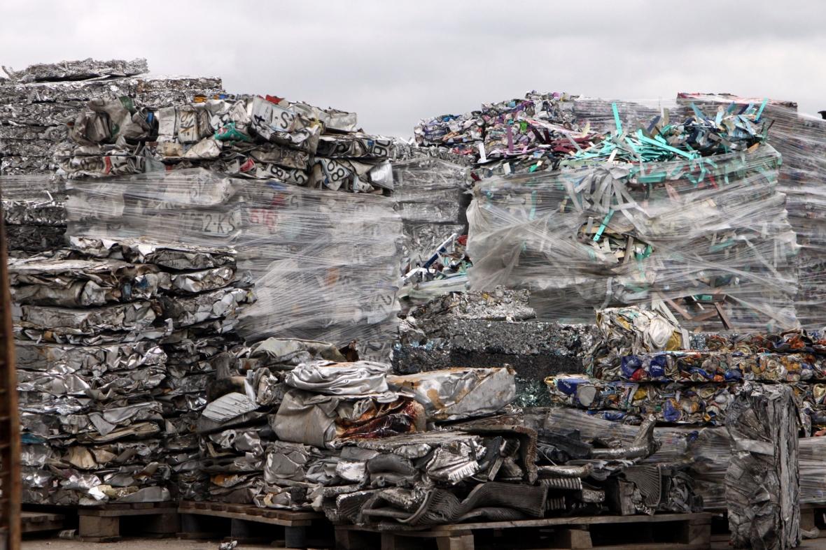 Living from scrap material